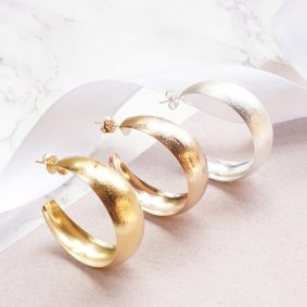 e-2192.chunky hoops earrings